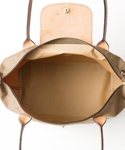 60c2c034b195 ル・プリアージュ 2605 カーキ: 折り畳んでお出掛けの際のセカンドバッグとしてとても活躍する【LONGCHAMP】のプリアージュバック♪  たっぷり入る大きさと、ナイロン& ...