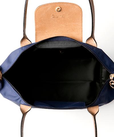 6390ba9b2b16 ル・プリアージュ 2605 ネイビー: 折り畳んでお出掛けの際のセカンドバッグとしてとても活躍する【LONGCHAMP】のプリアージュバック♪  たっぷり入る大きさと、ナイロン ...